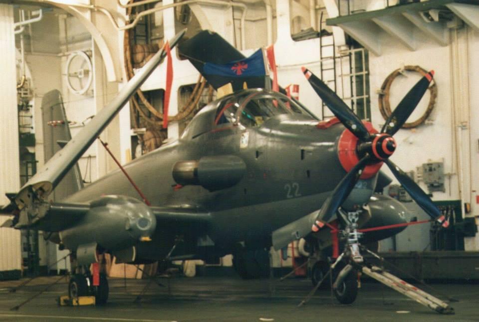 1994, p.a Foch, alizé 22 avec flammes de guerre de la 4F   ...