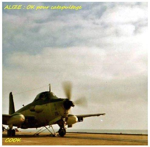 1968, p.a Clemenceau, flottille 9F, alizé 25 sur la catapulte