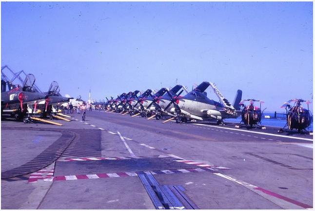 1971, p.a Clemenceau, flottille 4F, escale à Las Palmas ...