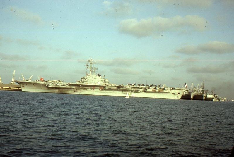 1977, p.a Clemenceau, escale à Djibouti (Saphir II), alizé 4F ...