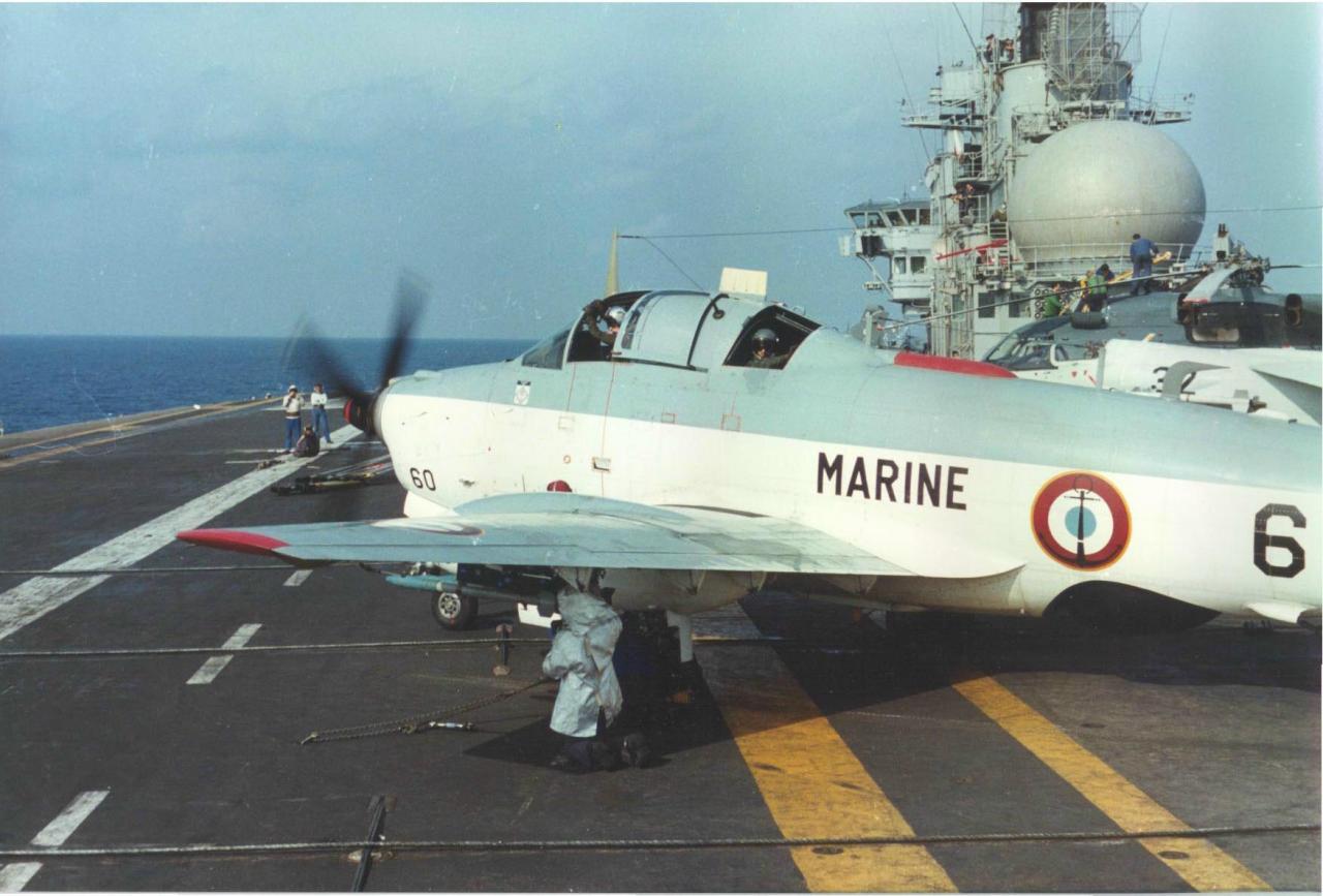 1983, p.a Clemenceau, flottille 6F, armement roquettes alizé 60