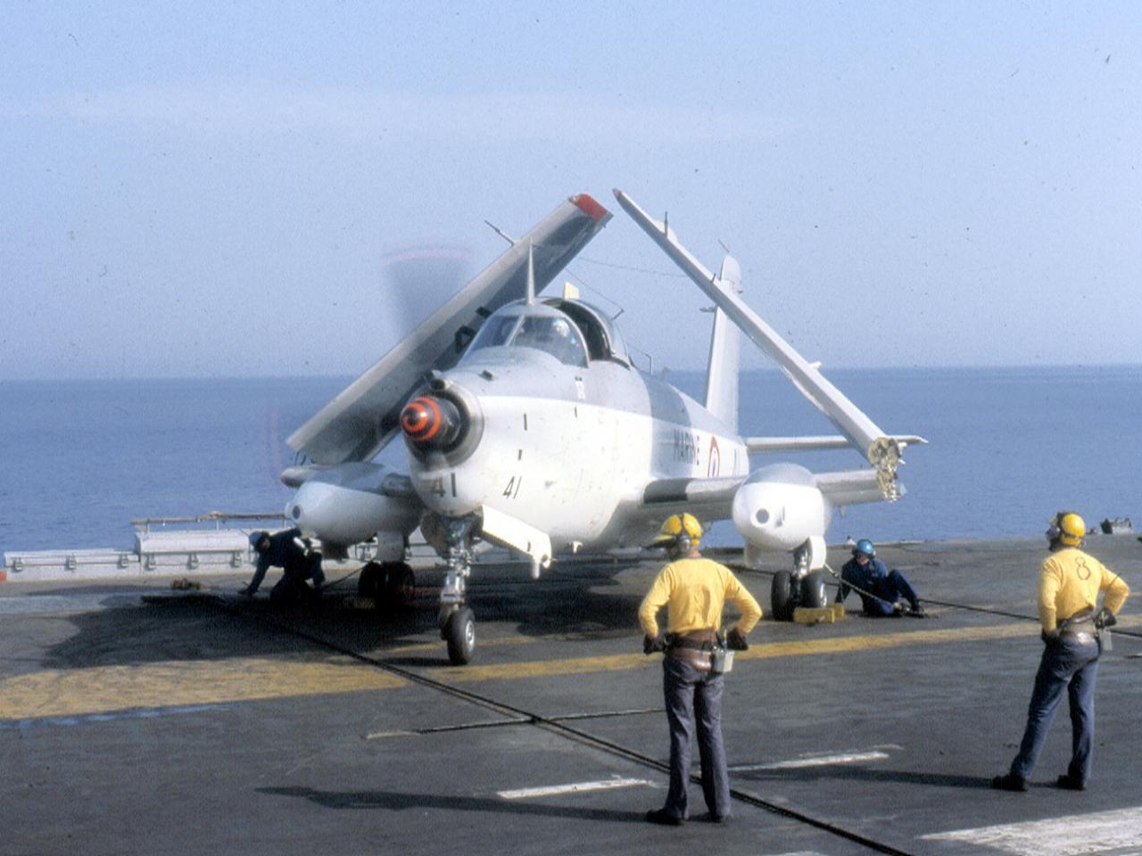 1985, flottille 6F sur porte-avions, alizé 41 mise en route ...
