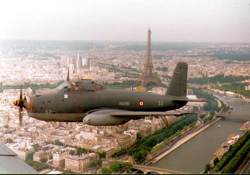 1992, alizé 6F, participation au défilé aérien du 14 Juillet à Paris