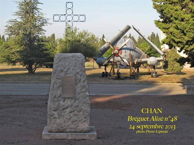 2013, arrivée du 48 à Garons, installé devant la chapelle