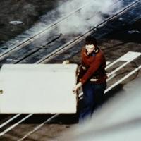 1983/84 - p.a Clem - 4F - dépose réservoir supplémentaire sur le pont d'envol ...