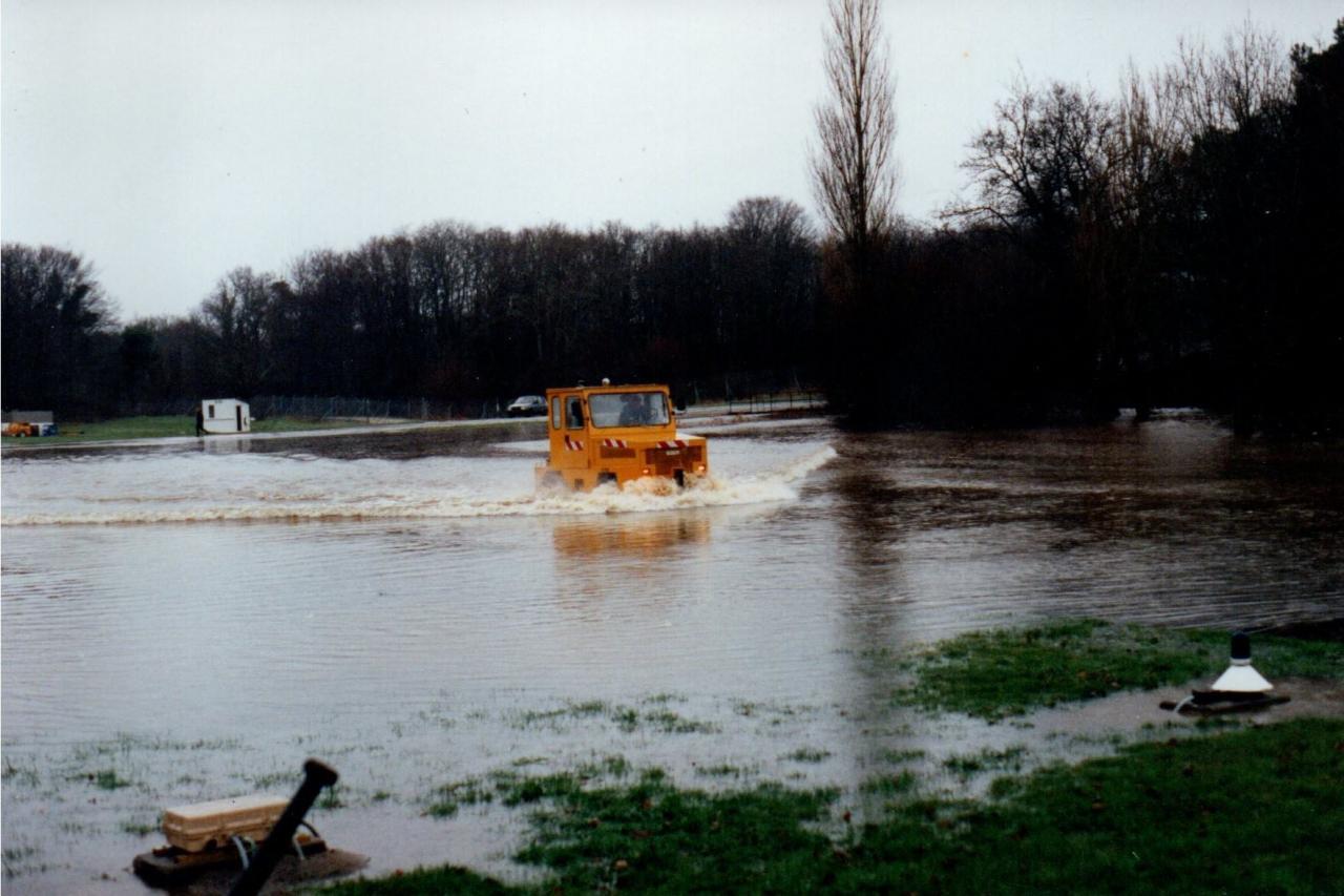 1986, ban Lann-Bihoué, flottille 4F, voie d'eau hangar H6 !!!