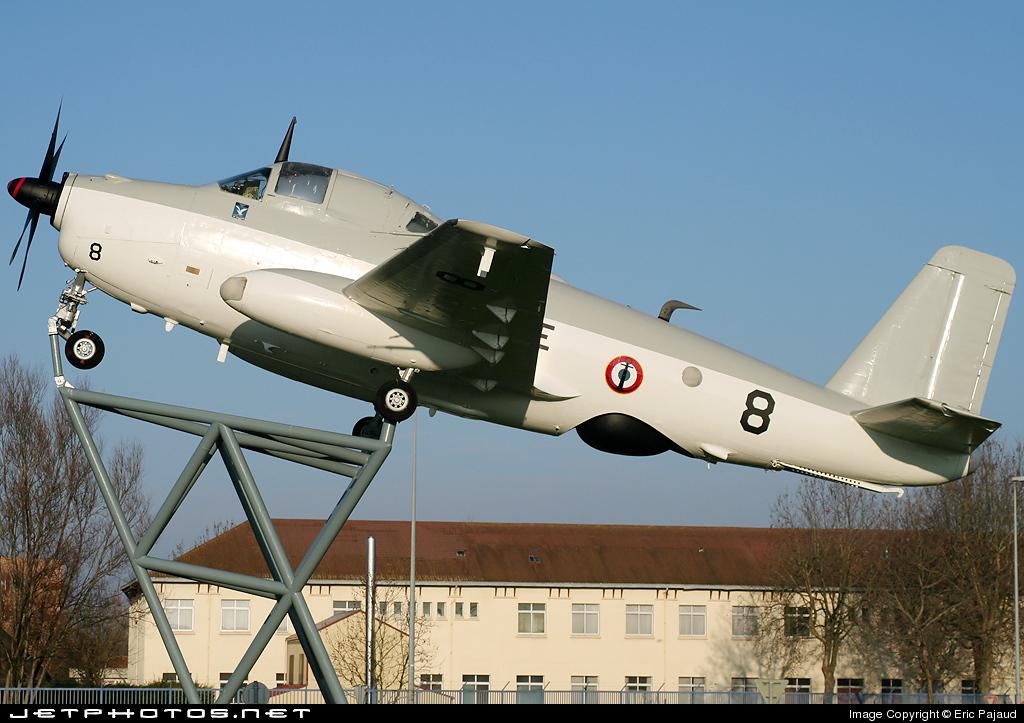 le 8 en expo statique à Rochefort, vu en 2008 …
