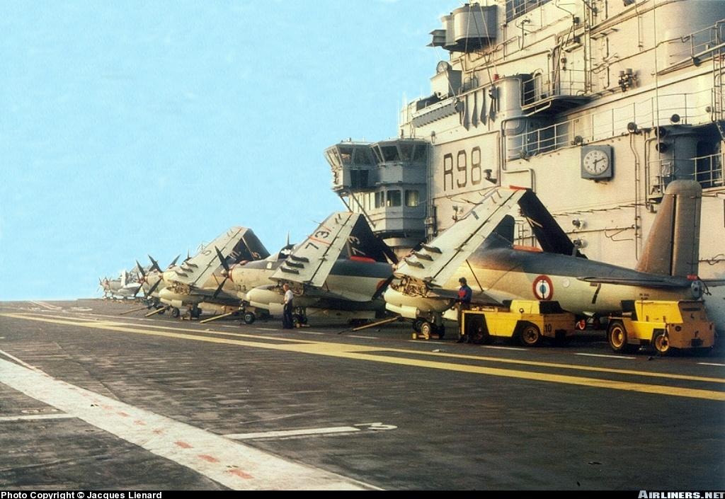 1976, flottille 6F, alizés 5, 73 et 7 contre l'ilot du Clemenceau ...