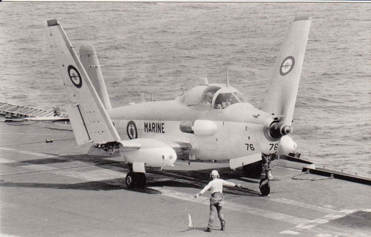 1987, océan indien, p.a Clem, le 76 en saumons rouges de la 6F  ...