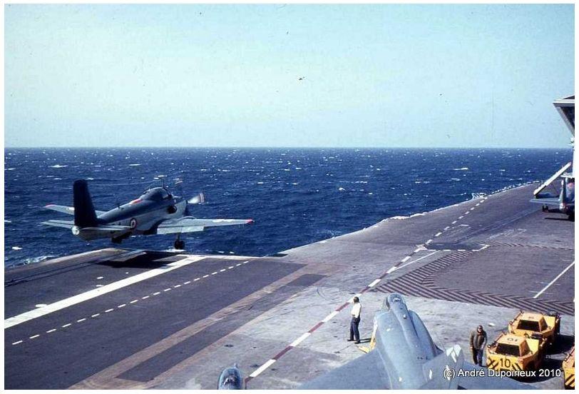 1971, p.a Foch, flottille 6F, sortie de pont ...