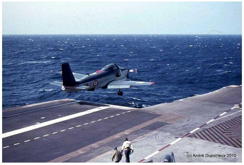 1971, p.a Foch, flottille 6F, catapultage ...