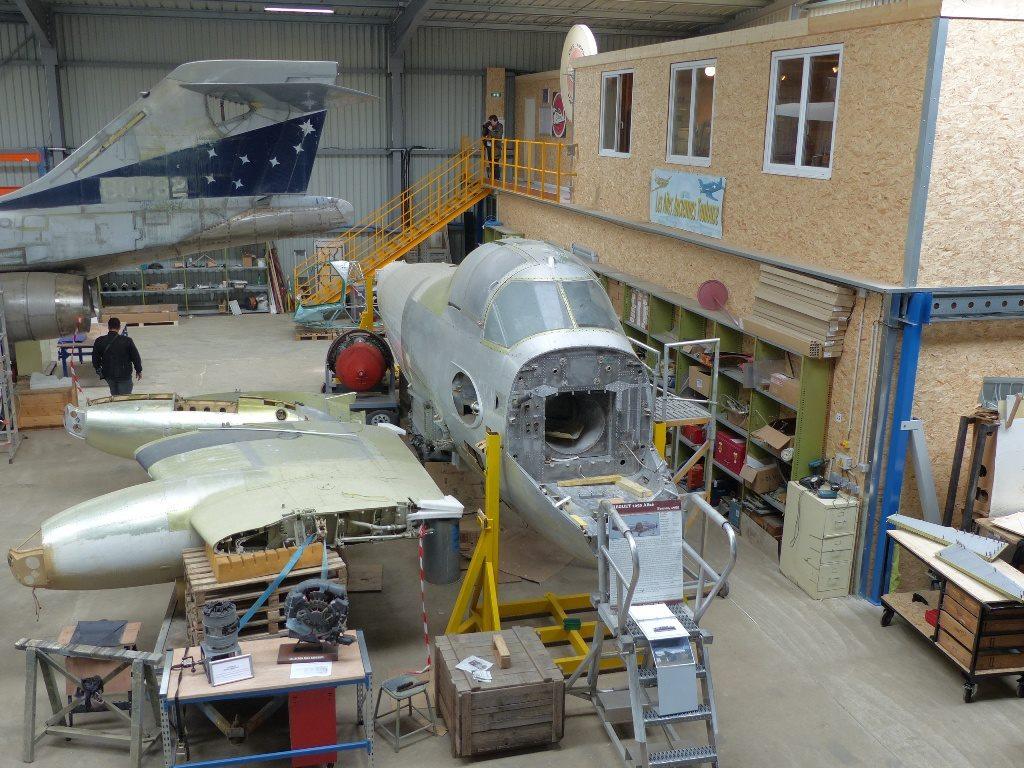 alizé 5 en cours de restauration aux ailes anciennes ...