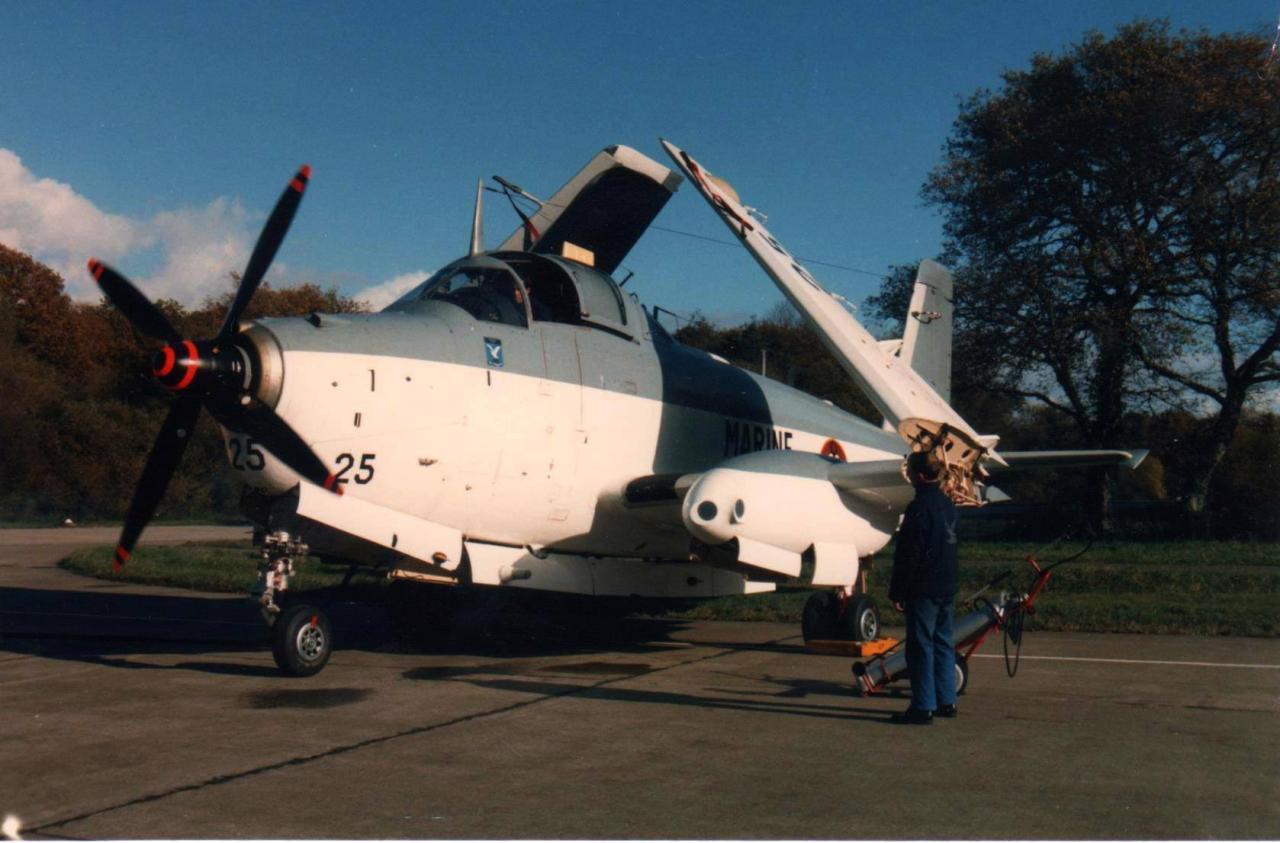 11/1986, Lorient Lann Bihoué, flottille 4F, alizé 25 au point fixe ...