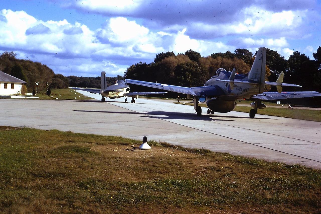 1974, Gannet 760 et Alizé 51, départ en vol depuis Kérambar ....