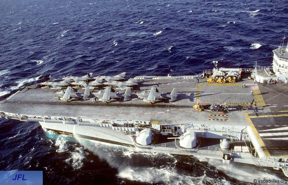 """1994, p.a Foch, flottille 6F, alizé retour de vol """"parking"""" avant ..."""