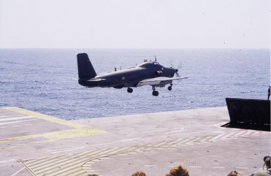 An 2000, flottille 6F, p.a Foch, sortie de pont catapulte latérale ...