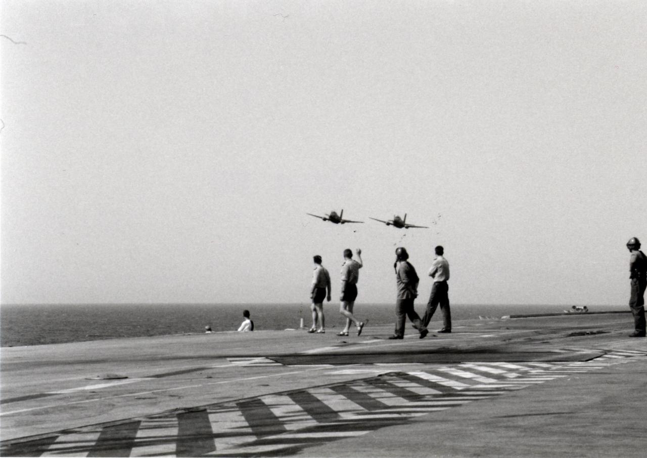 """an 2000, flottille 6F, p.a Foch, dernier """"salut"""" ..."""