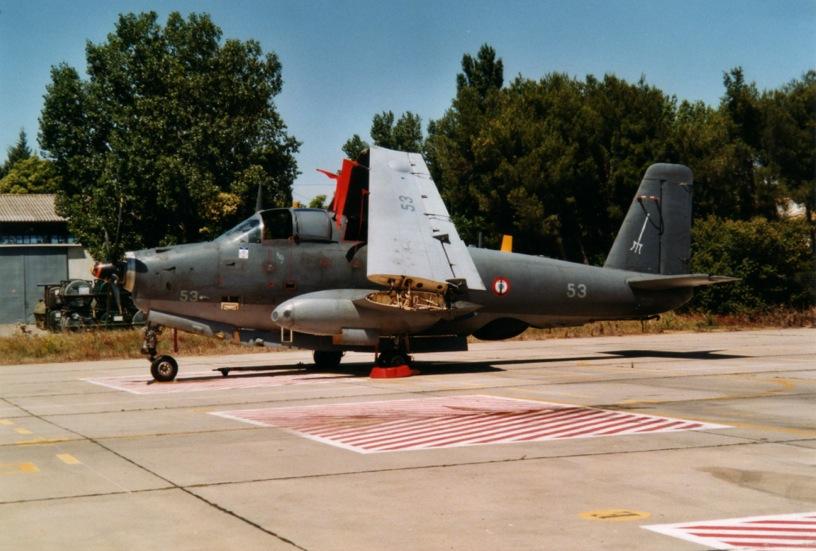 Nîmes-Garons, flottile 6F, alizé 53 au parking en Septembre 2000 ...