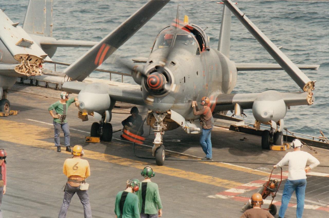 1988, océan indien, p.a Clemenceau, 6F, mise en route alizé 65 ...