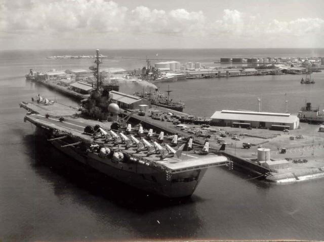 1963, p.a Foch, escale à Djibouti, alizé flottille 9F ...
